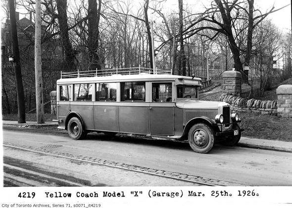 2011513-Yellow-Coach-model-x-1926.jpg