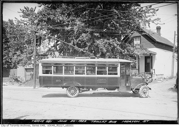 2011513-trolley_bus_1922.jpg