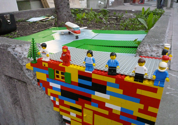 2011522-street-lego.jpg