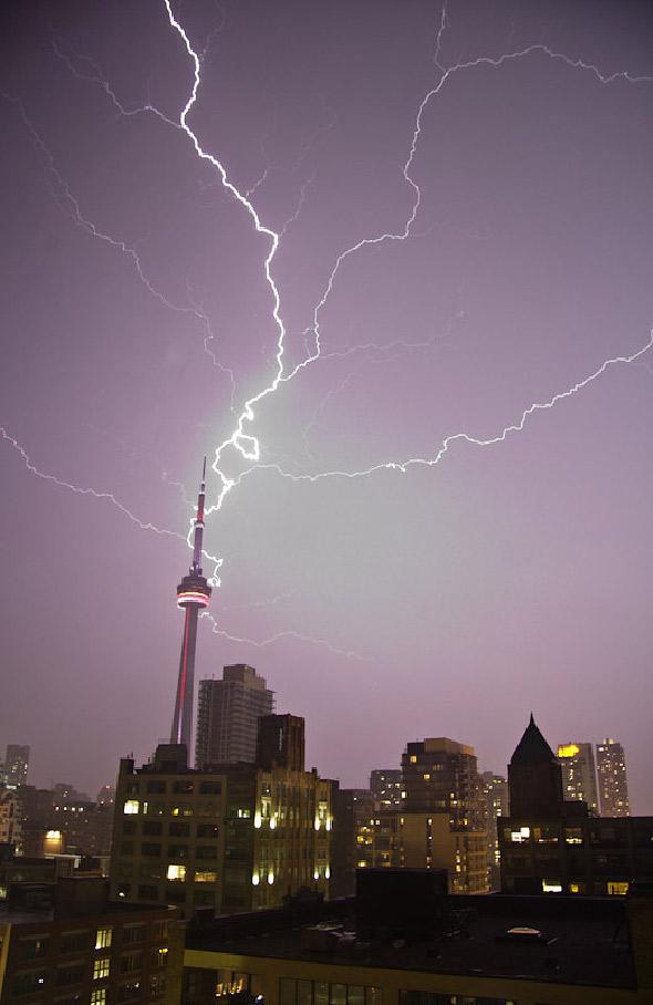 2011530-lightning-long.jpg