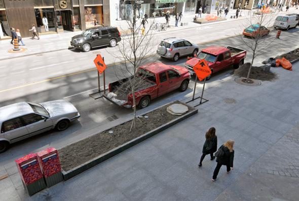 201155-bloor-street-above.jpg