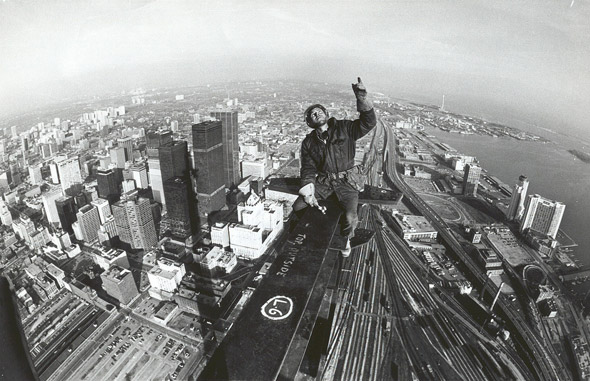CN Tower Construction