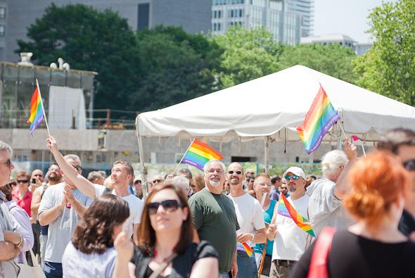 20110627-prideflag06.jpg