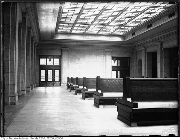 2011614-waiting-room-1923-f1266_it0906.jpg