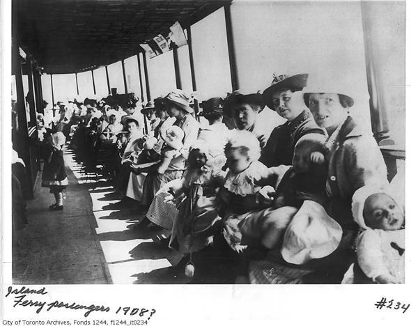 2011626-ferry-passengers-1908-f1244_it0234.jpg