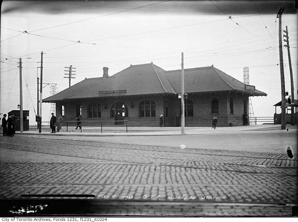 Sunnyside Rail Station Toronto