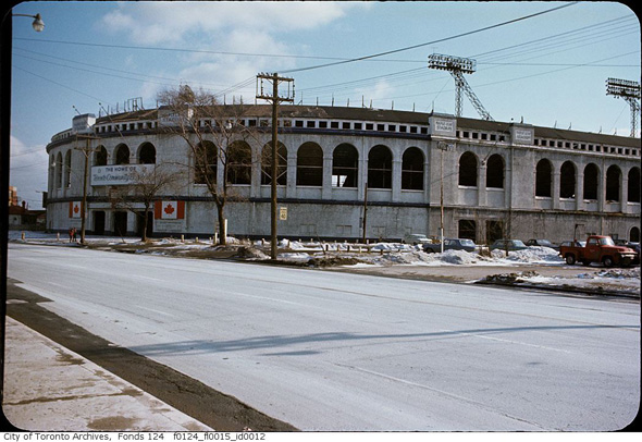 2011713-maple-leaf-stadium-1970s-80s-f0124_fl0015_id0012.jpg