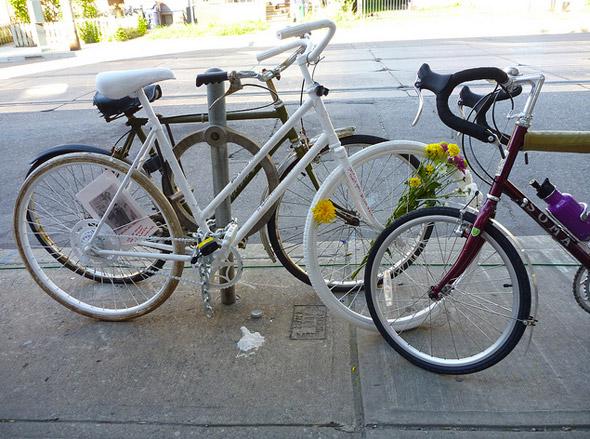 2011823-martin-ghost-bike-wide.jpg