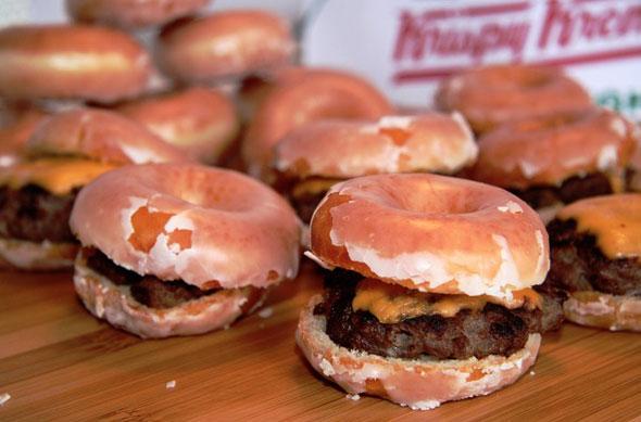 Donut Cheeseburger CNE