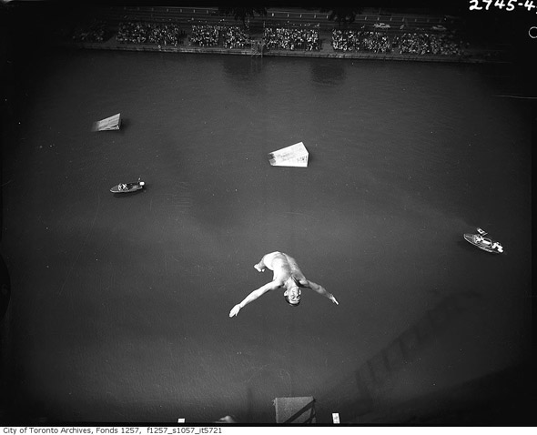 201188-CNE-diver-aquarama-1950s-f1257_s1057_it5721.jpg