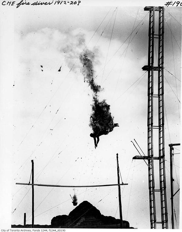 201188-cne-fire-diver-1910s-f1244_it0190.jpg