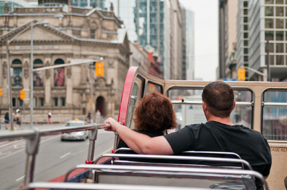 sightseeing tour bus toronto
