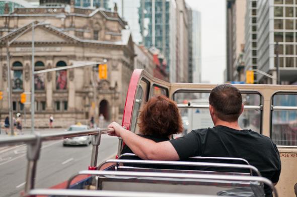 sightseeing tour bus toronto