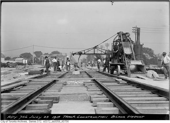2011929-BVD-track-construction-1918-s0372_ss0058_it0756.jpg