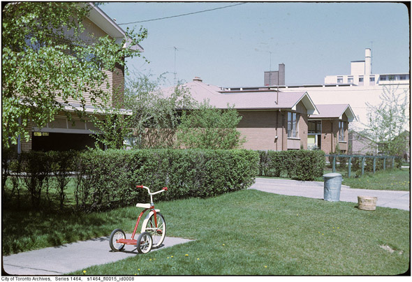201197-suburbs-alderwood-1968-s1464_fl0015_id0008.jpg