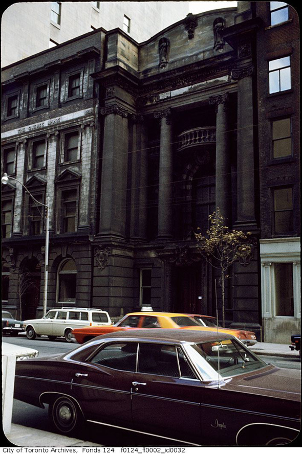 20111020-quebec-bank-dirty-1970s-f0124_fl0002_id0032.jpg