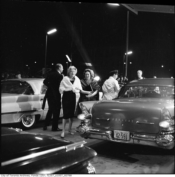 20111026-Okeefe-opening-night-1960-f1257_s1057_it0788.jpg