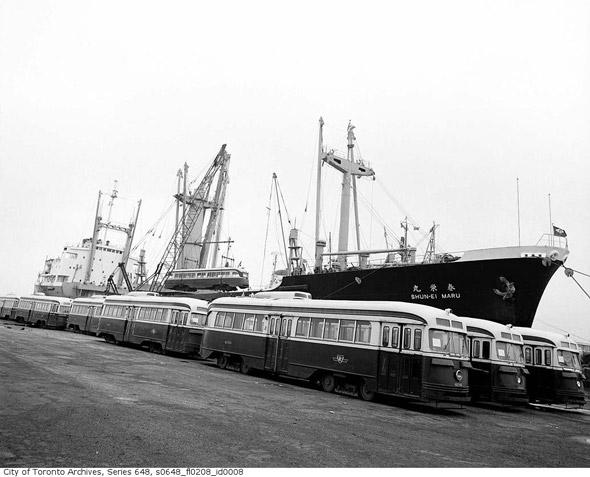 20111027-trussler-streetcars-boat-s0648_fl0208_id0008.jpg