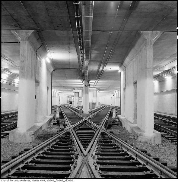 20111027-trussler-subway-tracks-1968s0648_fl0242_id0020.jpg