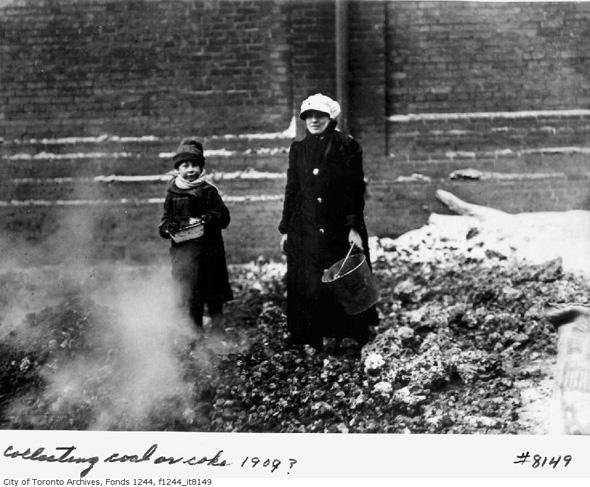 20111114-collecting-coal-1909-f1244_it8149.jpg