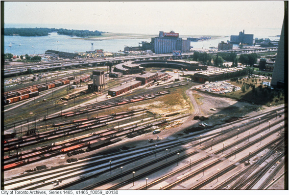 2011113-railway-lands-west-1970s-s1465_fl0059_id0130.jpg