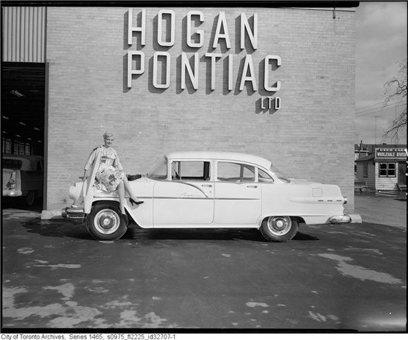 vintage toronto signs