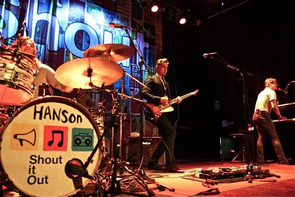Hanson Live