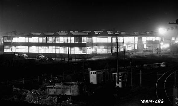 2012214 - Gary Blakeley - Inglis at night.jpg