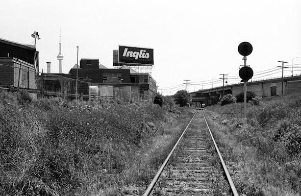 2012214-Collations- Strachan Ave Rail Line.jpg