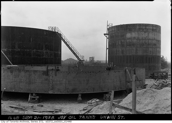2012224-joy-oil-tanks-1938-s0372_ss0001_it1448.jpg