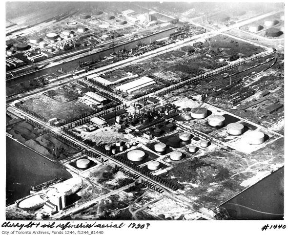 20111114-coal-oil-refineries-port-lands-1930-f1244_it1440 (1).jpg