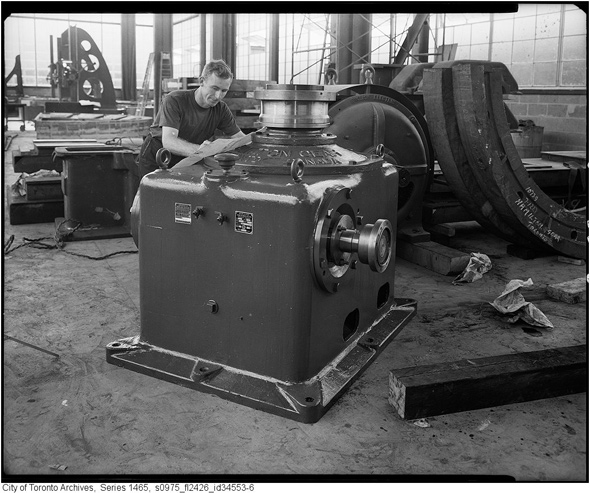 2011119-Hamilton-Gear-1957-s0975_fl2426_id34553-6.jpg