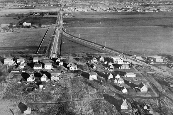 2012410-golden-mile-1949.jpg