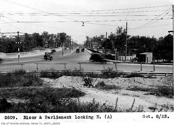 201252-bloor-parliament-east-1923.jpg