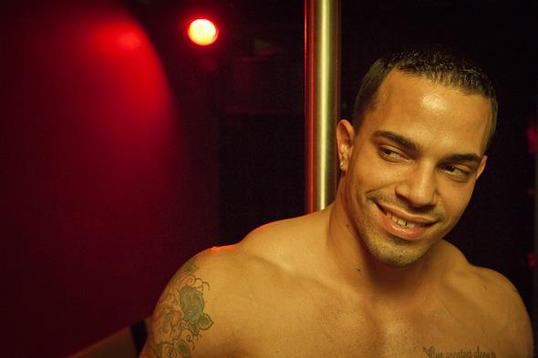Male stripper etiquette