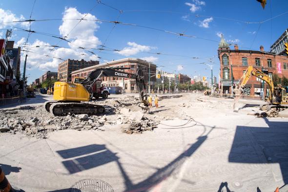 Queen Spadina construction