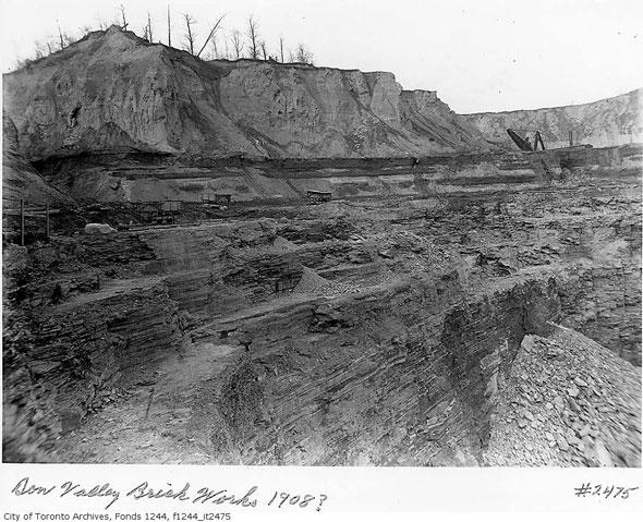 toronto don valley brick works evergreen pit
