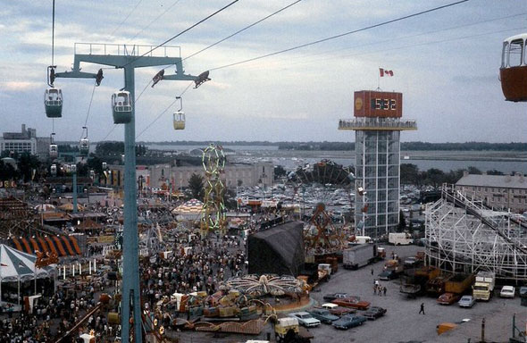 toronto cne ex alpine way chairlift