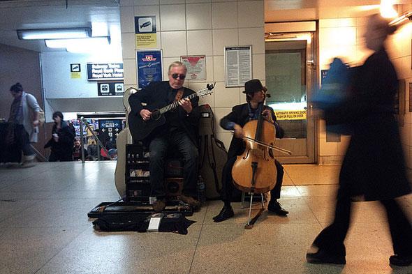 toronto subway TTC buskers guitar cello