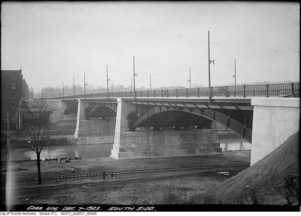toronto gerrard street bridge