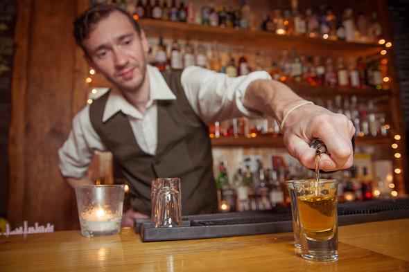 elliott mealia toronto bartender