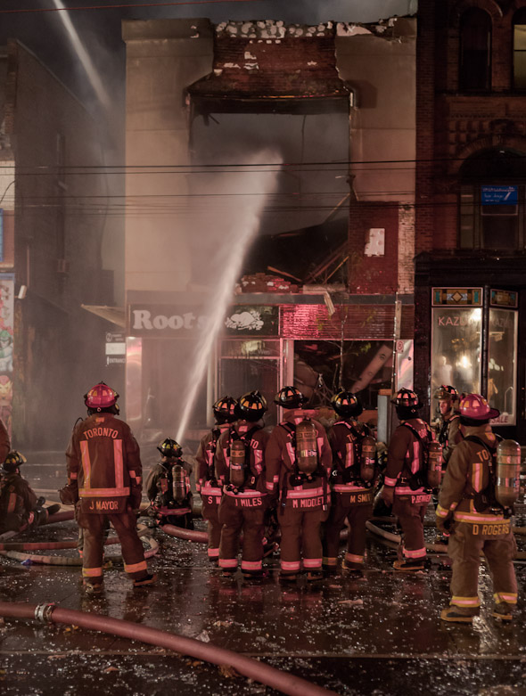20121030_queen_west_fire14.jpg