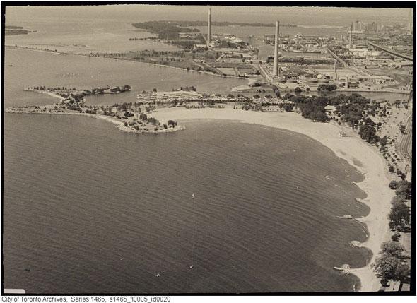 toronto beaches aerial