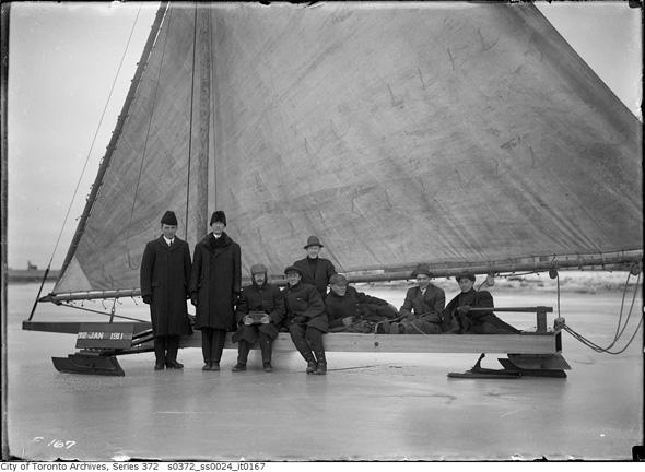20121211-ice-boat-1911.jpg