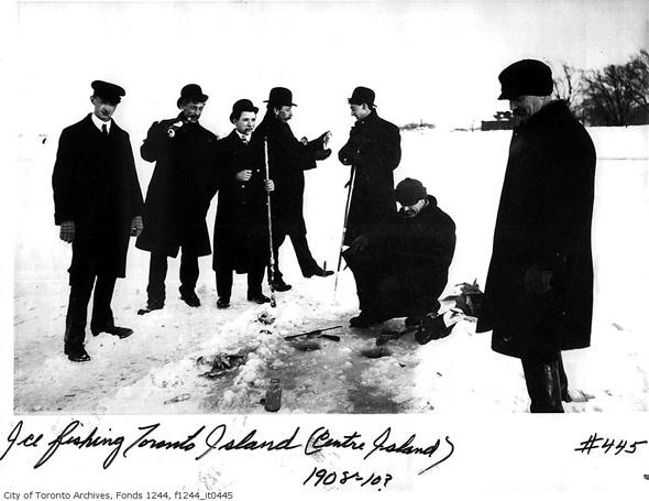 20121211-ice-fishing-1908-10.jpg