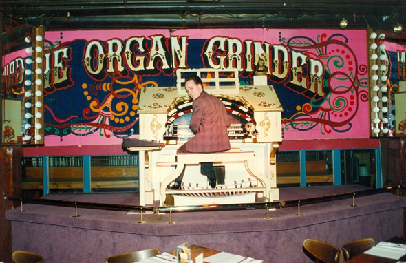 that time when toronto had an organ grinder