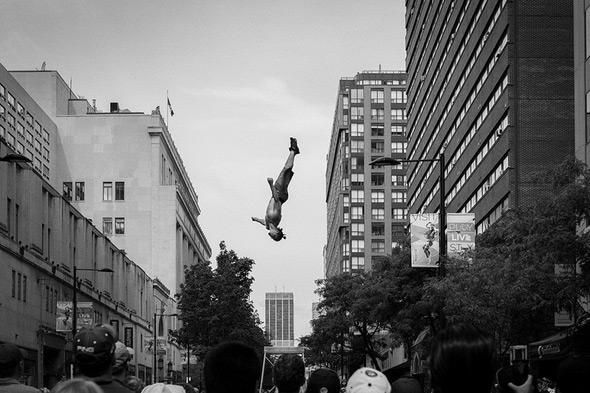 Buskerfest acrobatics