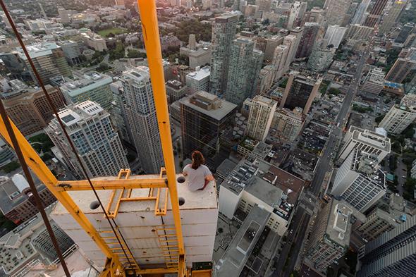Rooftop Crane Toronto
