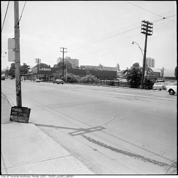 201393-loblaws-st-clair-west-1974.jpg