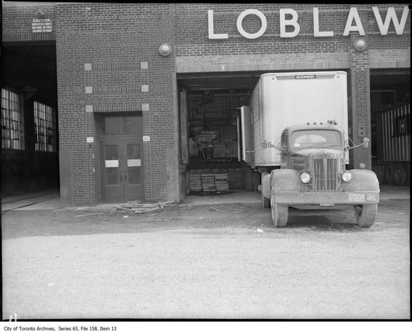 20131018-loblaws-1960.jpg